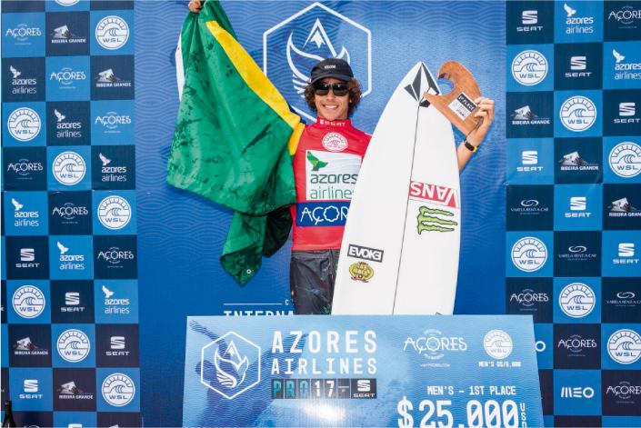 Yago Dora vence en el Azores Pro 10.000