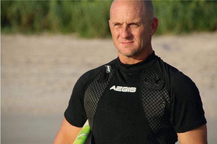 Este es el nuevo chaleco salvavidas ultra ligero para el surf