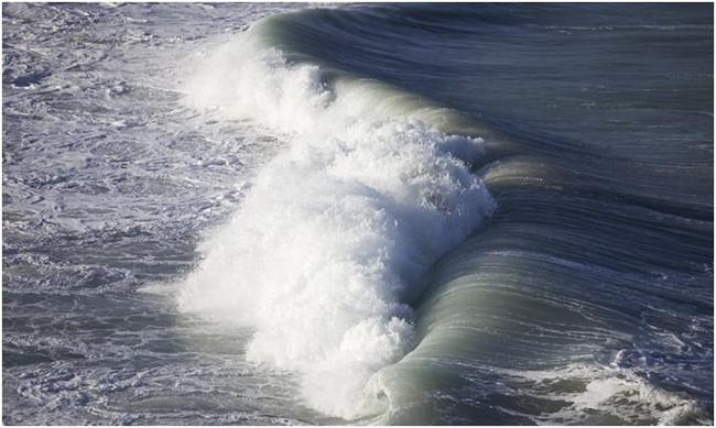 Así se escuchan las olas desde el espacio