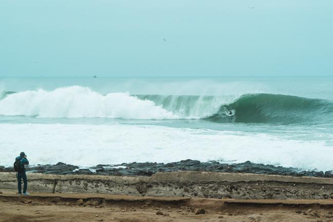 El Maui And Sons Arica Pro arrancó hoy bajo condiciones difíciles