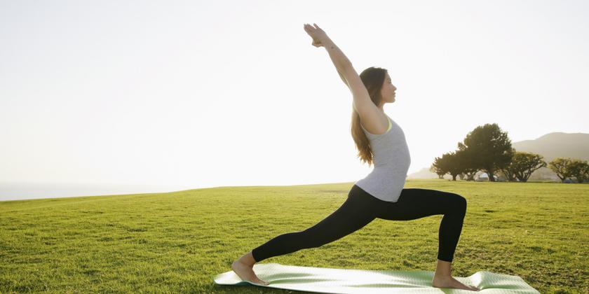 5 apps de yoga que deberías descargar ahora mismo para mejorar tu surfing