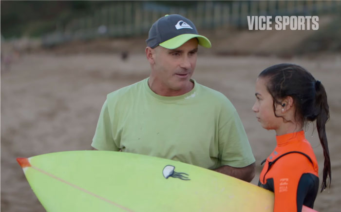 ¿Imaginas que tu surf coach sea ciego?