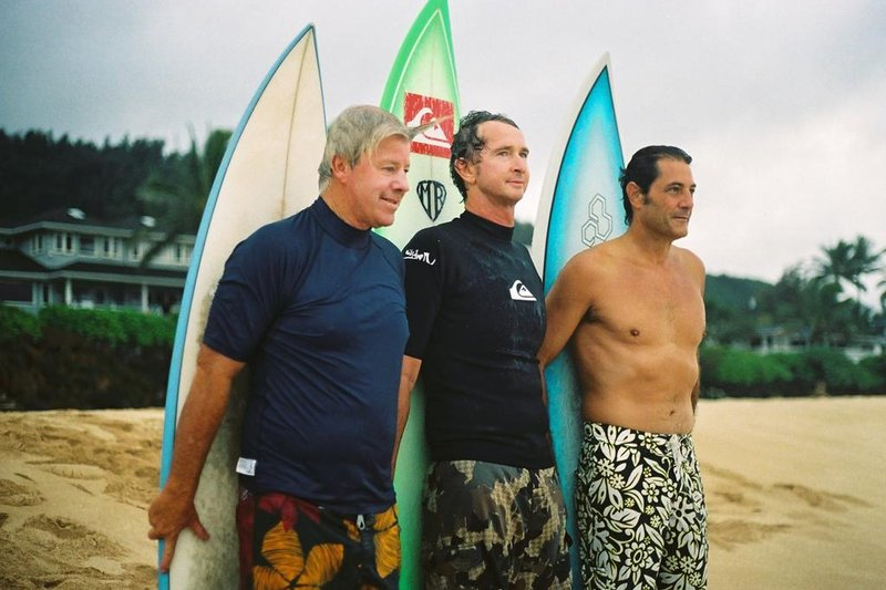 Bustin Down the Door: Un buen documental de surf para ver Hoy