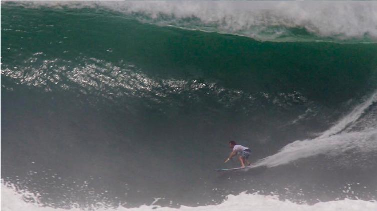 Gabriel Villarán surfeará mañana 7:30 am en el Puerto Escondido Challenge