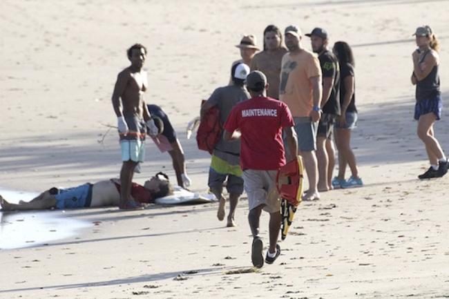 Surfista atacado por un cocodrilo en Costa Rica ya se recupera después de su segunda cirugía