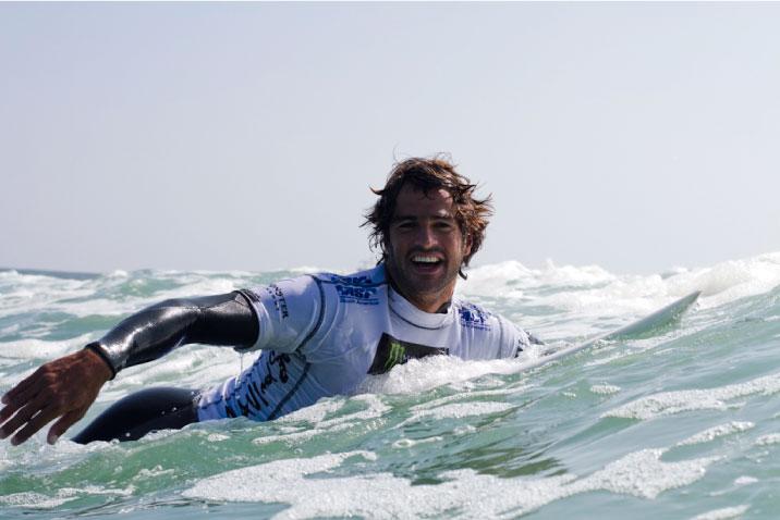 Federación Deportiva Nacional de Tabla y Suzuki organizan campeonato interescolar de surf con Álvaro Malpartida